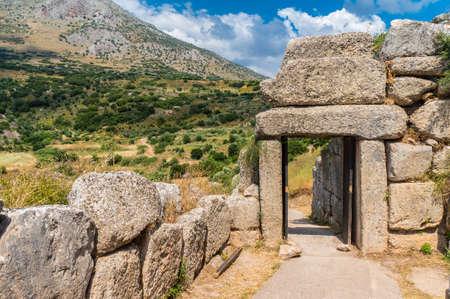 미케네 궁전의 북쪽 문. 그리스 미케네의 고고학 유적지