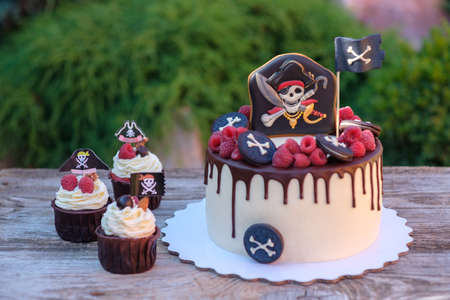 beautiful home in a pirate style for a kids birthday party