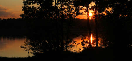 garish: lake landscape