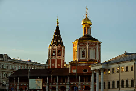 Orthodox Christian Cathedral in the name of the Holy Trinity on a summer evening in the city of Saratov. Standard-Bild - 106445229