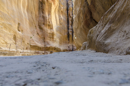 landscapes and canyons of the abandoned city of Petra in Jordan Imagens