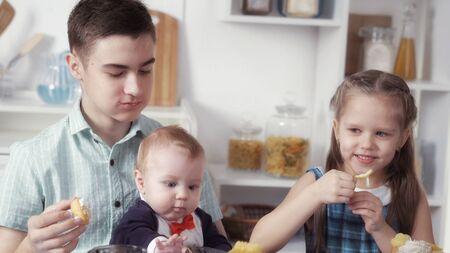 children eat sweets