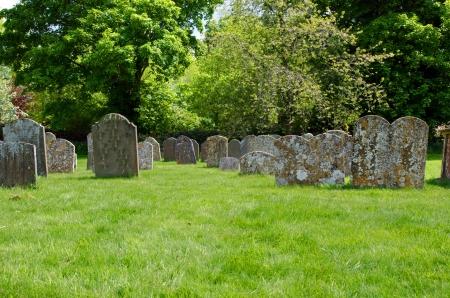 churchyard: Graveyard at The church of Avebury Saint James