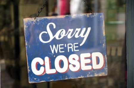 closed sign: Vintage closed sign