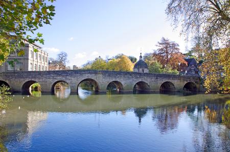 올드 타운 브릿지, 에이본, 영국에 브래드 포드의가 장면 스톡 콘텐츠