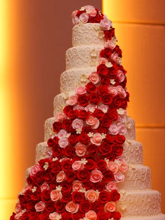 Big Roses Wedding Cake Stock Photo - 5246838