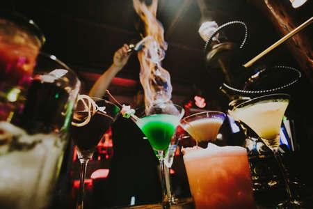 coctail in een vuur in een nigth club Stockfoto