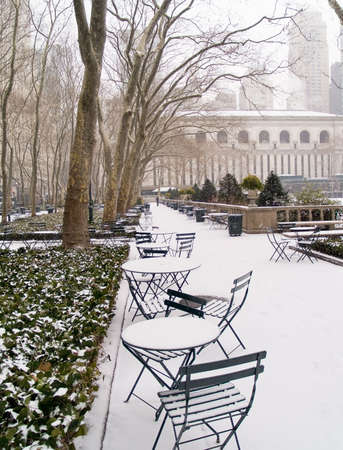 bryant park: Bryant Park in Manhattan after an early morning snow.