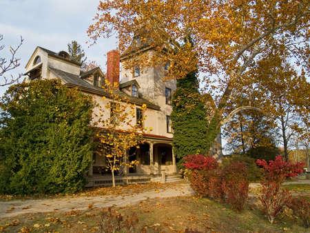 Batsto 마을에 저택은 뉴저지 주 소유권의 밑에 탁월한 경계표입니다 스톡 콘텐츠