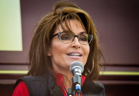 NEW EGYPT, NEW JERSEY USA – OCTOBER 12  Former Alaska governor and political superstar Sarah Palin at the Tea Party rally for Steve Lonegan on October 12 2013 in New Egypt New Jersey  Фото со стока - 22771591