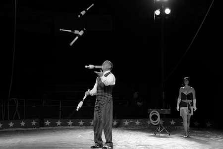 kelly: OLD BRIDGE, NEW JERSEY -JUNE 8 - A Juggler at the Kelly Miller Circus on June 8 2015 in Old Bridge New Jersey.