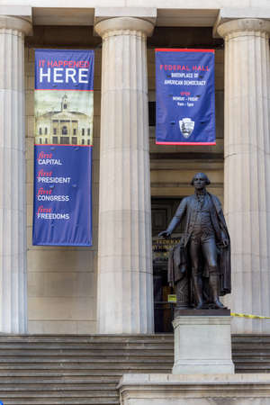 NEW YORK-NOVEMBER 20: The statue of George Washington outside Federal Hall near Wall St on November 20, 2017 in lower Manhattan. Editöryel