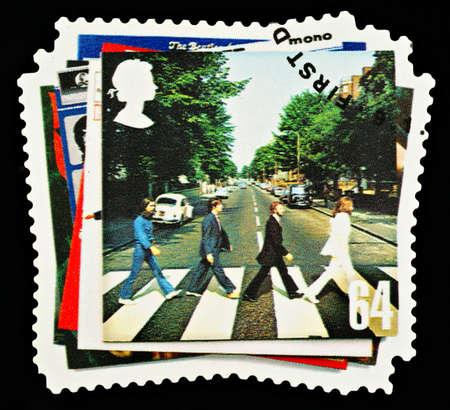 REGNO UNITO - CIRCA 2007: Un britannico usato francobollo mostrando la copertina dell'album dei Beatles Pop Group, circa 2007