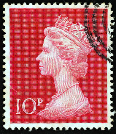 pence: UNITED KINGDOM - 1970 - 1972: An English Ten Pence Used Postage Stamp showing Portrait of Queen Elizabeth 2nd, 1970 - 1972