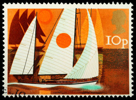 dinghies: UNITED KINGDOM - CIRCA 1975   A British Used Postage Stamp showing Cruising Yachts, circa 1975