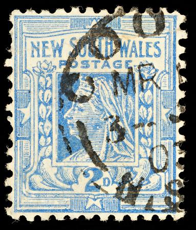 AUSTRALIA - CIRCA 1892: An Australian utilizzato francobollo dal Nuovo Galles del Sud mostra la regina Vittoria, circa 1892 Editoriali