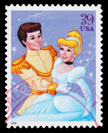 Stati Uniti - CIRCA 2006: Un francobollo usato stampato negli Stati Uniti, che mostra Cenerentola e il Principe Azzurro, circa 2006