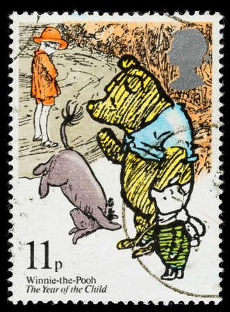 REGNO UNITO - CIRCA 1979: Un francobollo usato stampato in Gran Bretagna mostra Winnie the Pooh di AA Milne, circa 1979