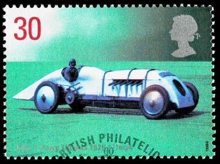 timbre postal: REINO UNIDO - CIRCA 1998: sello impreso en Gran Bretaña Usado celebrando Registros British Land rápida mostrando John Parry Thomas 1926 Babs coche