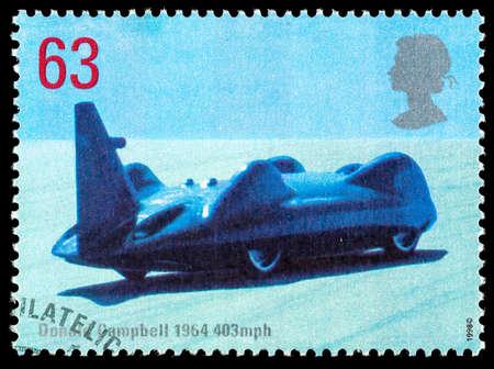 timbre postal: REINO UNIDO - CIRCA 1998: sello impreso en Gran Bretaña Usado celebrando Registros British Land rápida mostrando Donald Campbell 1964 Bluebird de coches