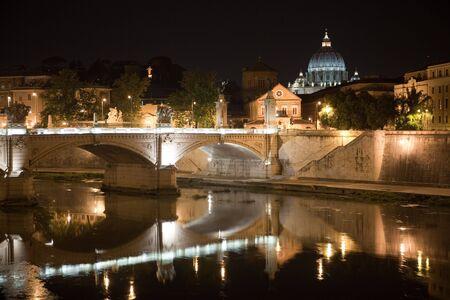 tiber: Saint Peter y el r�o T�ber