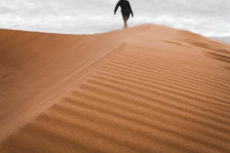 Walking on Dunes Imagens