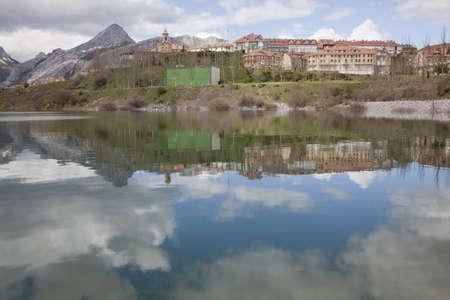 landscape reflected Stock Photo - 7422102