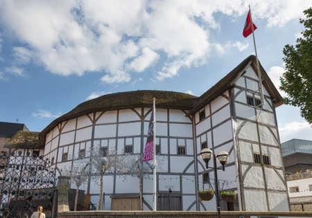 globe theatre: Shakespeares Globe Theatre in London