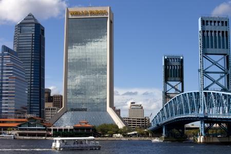 Vista do centro de Jacksonville, Florida Editorial