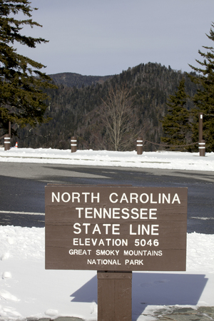 newfound gap: Sign denoting the border between North Carolina and Tennessee at Newfound Gap in the Great Smoky Mountains  Stock Photo
