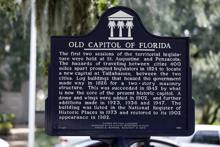 tallahassee: The old Florida State Capitol building historical sign in Tallahassee provides information about history of the old capitol