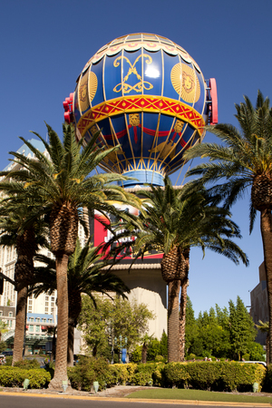 las vegas metropolitan area: The iconic Paris Casino balloon along the Las Vegas Strip. The balloon sign is in the shape and style of the Montgolfier hot air balloon.