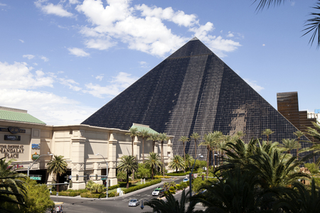 las vegas metropolitan area: Luxor Hotel and Casino located on the southern end of Las Vegas Blvd has the form of an Egyptian pyramid .