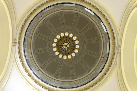 dome building: Interior dome from the rotunda floor of the Arkansas State Capitol building in Little Rock, Arkansas Editorial