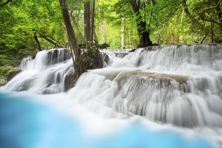 cascades: Livello sei di Erawan cascata in provincia di Kanchanaburi, in Thailandia