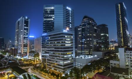 городской пейзаж: Бангкок город ночной вид с транспортных магистралей Фото со стока