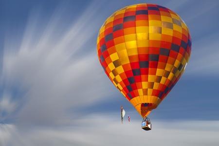 baloon: Hot air baloon on the sky