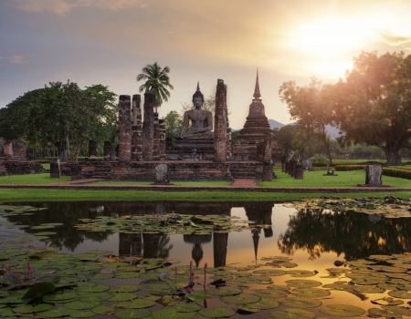 ayutthaya: Sukhothai historical park, the old town of Thailand in 800 year ago