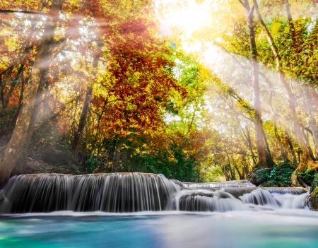 Erawan-Wasserfall in der Provinz Kanchanaburi, Thailand Standard-Bild