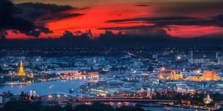 grand palace: Grand palace at twilight in Bangkok between Loykratong festival, Thailand