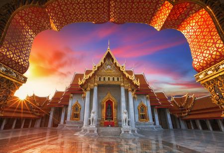bouddha: Le temple de marbre Wat Benchamabopitr Dusitvanaram Bangkok THA�LANDE Banque d'images