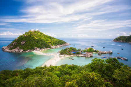 Nang yuan island, option for travel koh samui, koh tao, koh Pangan, tranportation by speed boat, blue sea, rock and place for diving in Thailand