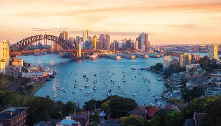 Panorama del porto e del ponte di Sydney nella città di Sydney, Nuovo Galles del Sud, Australia