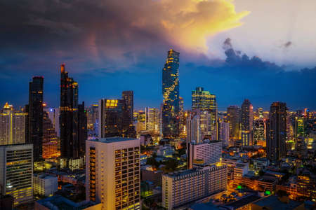 View point from hotel rooftop from Bangkok city with bar and twin tower background, Thailand Imagens