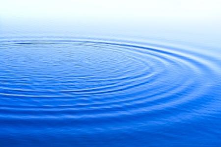 blauem Hintergrund mit Wellen, Oberfl�chenwasser