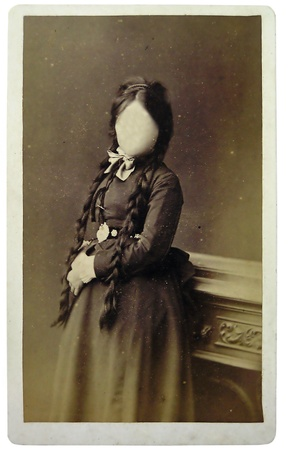 Vintage portrait a girl in the late 19 th century on background. You can use the frame or add your face.     Standard-Bild