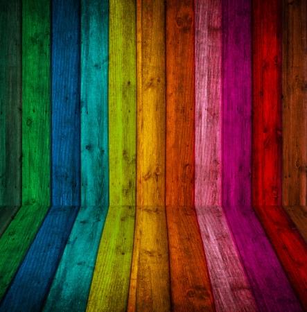 kamer is gemaakt van hout, met helder gekleurde verf Stockfoto