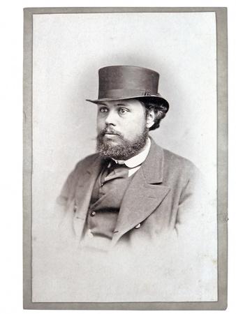 een oude foto, een portret van een man
