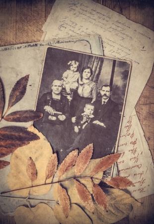 groep van oude foto's van de late negentiende eeuw Redactioneel