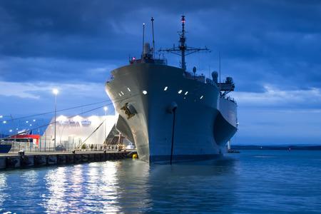米国海軍船